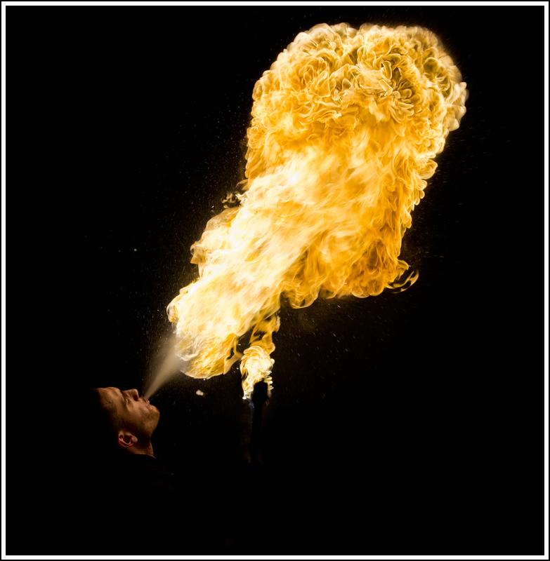 Photos cracheurs de feu - anniversaire 8 ans palais tokyo 21 janvier 2012 - Page 11 K5A14020