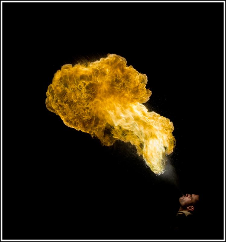 Photos cracheurs de feu - anniversaire 8 ans palais tokyo 21 janvier 2012 - Page 11 K5A14029